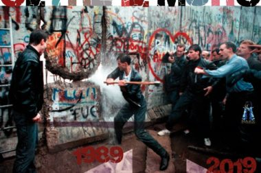 Oltre il muro – Euripide e le baccanti a Berlino