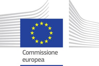 L'Europa celebra la sua Giornata… i ragazzi della 1E del Liceo Economico Sociale hanno voluto ricordare i simboli dell'Unione Europea e ciò che essi rappresentano